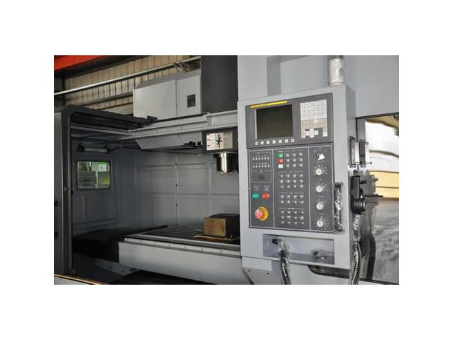 UM 350V5 Accuway 5-ти координатный фрезерный станок с ЧПУ Accuway Станки с ЧПУ Фрезерные станки